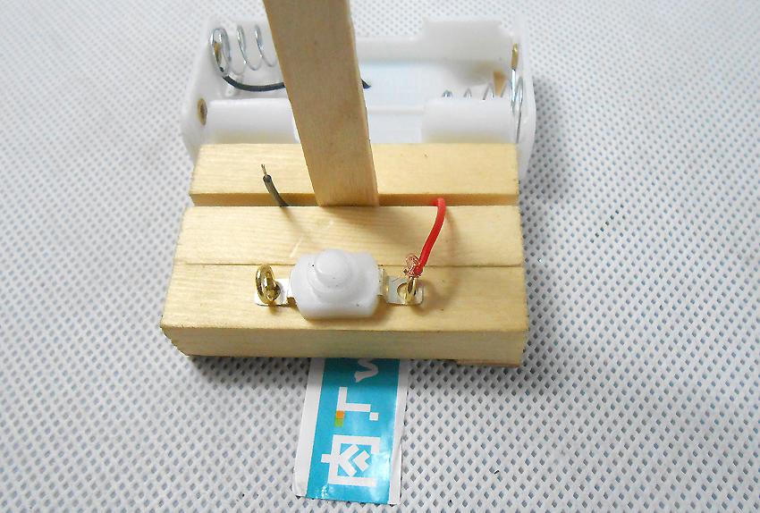 小学生手工制作方法 儿童科技小发明环保纸杯台灯的做法